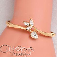 دستبند برگ و اشک با روکش طلا کد:128 قیمت:27000تومان #noragallery #jewelry  #jewels #necklace  #bracelet #mashhad #earings #زیورآلات #گردنبند #گل #گلسر #طلا #نقره #کریستال #جواهر #جواهرات #دستبند #روسری #زیور  #کهکشان #ماه #فیروزه #چشم_زخم #ستاره #کلید