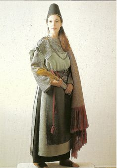 """A postcard from Finland, published by """"Heinolan seudun kalevalaiset naiset ry"""", dress from Kaarina, century, strongly based on archeological evidence. Historical Women, Historical Clothing, Historical Photos, Medieval Costume, Folk Costume, Costumes, Medieval Fashion, Medieval Clothing, Traditional Fashion"""