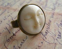 Dell'osso Moon Face e antico collana ottone di NestingNomad