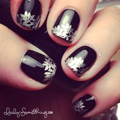 This looks so cute on short nails OPI Black Onyx + W119 stamping