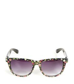 Add the finishing touch to your look with our must-have range of women's accessories. With next day delivery options, shop your favourites at New Look. Teen Guy Fashion, Womens Fashion, Travel Accessories, Fashion Accessories, Sunglass Frames, Black Pattern, New Look, Mirrored Sunglasses, Fashion Online