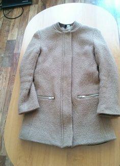 Kupuj mé předměty na #vinted http://www.vinted.cz/damske-obleceni/kratke-kabaty/10996503-elegantni-vlneny-kabatek-divided