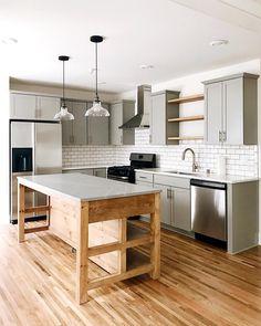 Techniques For Complete Kitchen Renovations Diy Kitchen Island, Cozy Kitchen, Kitchen On A Budget, Home Decor Kitchen, Kitchen Small, Modern Farmhouse Kitchens, Home Kitchens, Deco Cool, Casa Loft