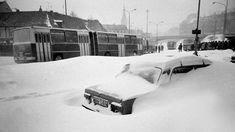 Kalamita z 1987 ochromila Bratislavu. Bratislava, Arches, Old Photos, Nostalgia, Snow, Retro, Car, Outdoor, Bows