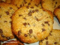 tahini, oat and honey cookies Healthy Cookies, Healthy Desserts, Easy Desserts, Delicious Desserts, Greek Recipes, Desert Recipes, Cookie Recipes, Snack Recipes, Honey Cookies