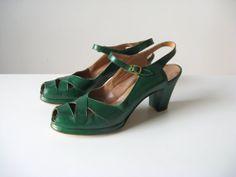 vintage 1940s shoes / 40s platform leather shoes