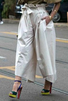 The casual high waist drop points wide leg pants with pocket with bow belt is so causla and you may like it. #pantsforwomen #pantsforwomencasual #pantsforwomenfashion #pantsoutfitwork #pantsoutfitcasual Balloon Pants, Bow Belt, Pants Outfit, Wide Leg Pants, Pants For Women, Chic, Lady, Casual, Sleeves