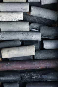 We're seeing this color all over designs and fashion this autumn season. This week, we present to you...#Charcoal.
