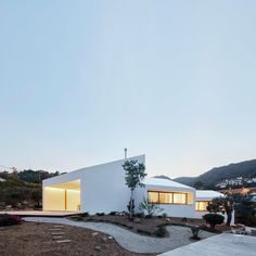 Modern Mallorca: OHLAB Create A House Out Of White Boxes