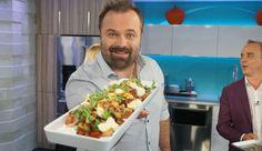 Faites-vous plaisir ce week-end avec cette recette de poutine au porc effiloché, une délicieuse suggestion de SB Cuisine. Poutine, Kung Pao Chicken, Gravy, Cheddar, Crockpot, Bbq, Tacos, Week End, Cooking