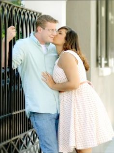 Plus size brides- Show me your Engagement photo outfits! - Weddingbee cute engagement outfits and pose
