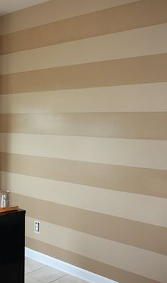 Makes me want to paint my main wall in my living room like this (the light brown and my purple???)