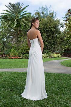 De vetersluiting is een prachtig detail van deze jurk !