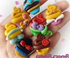 Cupcakes disney fimo 22 New Ideas Polymer Clay Princess, Polymer Clay Cupcake, Polymer Clay Disney, Polymer Clay Figures, Cute Polymer Clay, Cute Clay, Polymer Clay Miniatures, Polymer Clay Necklace, Fimo Clay