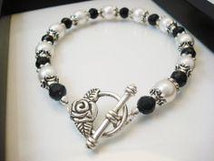 Black and White Pearl Bracelet Pearl Bracelet by snowingstars, $20.00