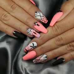 Try some of these designs and give your nails a quick makeover, gallery of unique nail art designs for any season. The best images and creative ideas for your nails. Summer Acrylic Nails, Best Acrylic Nails, Summer Nails, Summer Nail Polish, Acrylic Art, Stylish Nails, Trendy Nails, Nagel Stamping, Nagel Bling