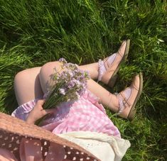 Shared by ˗ˏˋ 𝐞𝐦𝐢𝐥𝐲ˎˊ˗. Find images and videos about fashion, pink and summer on We Heart It - the app to get lost in what you love. Angel Aesthetic, Nature Aesthetic, Aesthetic Photo, Aesthetic Pictures, Aesthetic Green, Aesthetic Themes, Old Dress, Theme Nature, Loli Kawaii