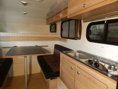 Willy 180 - Wohnkabine zum Einstiegspreis | EXPLORER Magazin Slide In Truck Campers, Pickup Camper, Kabine, Camper Interior, Kitchen Cabinets, Furniture, Camper Ideas, Home Decor, 4x4