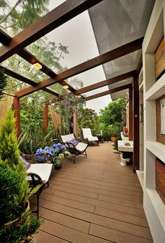 5 Decks to Inspire Your Outdoor Oasis