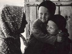 Martin Martinček - Liptovské deti V. Couple Photos, Couples, Photography, Author, Catalog, Lens, Couple Shots, Photograph, Fotografie