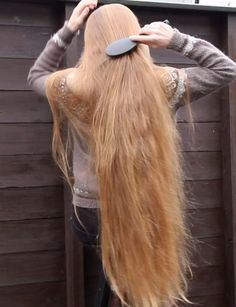 Long Ash Blonde Hair - 20 Best Long Hairstyles for Women of All Ages 2019 - The Trending Hairstyle Try New Hairstyles, Face Shape Hairstyles, Trending Hairstyles, Long Brown Hair, Very Long Hair, Waist Length Hair, Long Hair Play, Long Hair Video, Ash Blonde Hair