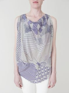 Such a beautiful pattern and lovely drape. Prisma Asymmetric Top.