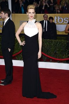We can never believe how chic January Jones is. This is her 2013 SAG awards look............................................ Similar Julianne Hough & Jessica Chastain & Christina Hendricks & Sienna Miller & Sandra Bullock & Kerry Washington                           #Style Icon