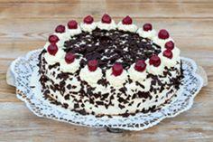 History of Black Forest Gateau Chocolate Shavings, Chocolate Cake, How To Make Cake, Food To Make, Old Fashioned Cake Recipe, Modern Cakes, Love Eat, Eat Dessert First, Tiramisu