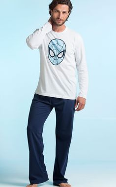 Blusa com calça de Meia Malha. Estampa localizada do 'Spiderman Mask'.  MIXTE PIJAMAS • Fall - Winter 2017