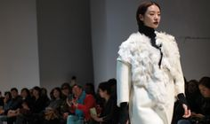 The Demoo Parkchoonmoo 25th anniversary show for Korean designer Demi Park shows the growth of the label from 'De'moo' or 'from zero' to a brand that defines 'unlimited boundaries of beauty' for Autumn Winter 2014-15 at Seoul Fashion Week.