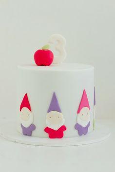 hello naomi...3rd birthday gnome cake!