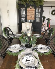 Black and Green Christmas Tablescape via Christmas Table Settings, Christmas Tablescapes, Christmas Table Decorations, Holiday Tables, Decoration Table, Table Centerpieces, Christmas Candles, Christmas Dinner Tables, Green Christmas