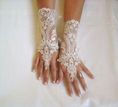 brand wedding gloves Champagne  lace bridal gloves GlovesByJana