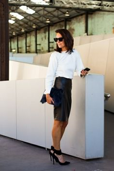 Work: White blouse + Black pencil skirt + Black heels + Clutch + Ray Bans