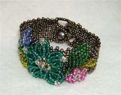 Floral Bracelet - Media - Beading Daily