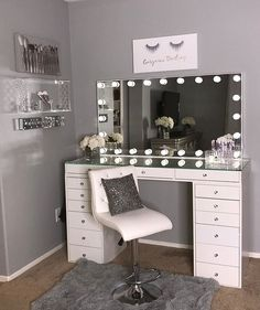 40 Kreative DIY-Make-up-Vanity-Design-Ideen die Inpire sind Creative Makeup Look. - 40 Kreative DIY-Make-up-Vanity-Design-Ideen die Inpire sind Creative Makeup Looks die DIYMakeupVanityDesignIdeen Inpire kreative sind Room Ideas Bedroom, Bedroom Decor, Design Bedroom, Bed Design, Bed Room, Bedroom Furniture, Painted Furniture, Vanity Room, Vanity Set