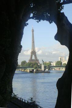 Paryż - Wieża Eiffla oraz Statua Wolności / Eiffel Tower and Statue of Liberty, Paris