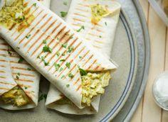 Wraps met eiersalade | Kookmutsjes Lunch Wraps, Tortilla Wraps, Budget Meals, Brunch, Bbq, Good Food, Veggies, Appetizers, Snacks