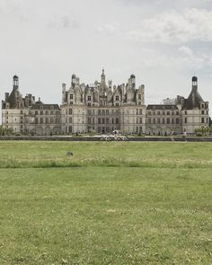 5 Little-Known Chateaux to Visit Near Paris this Fall Abandoned Castles, Abandoned Houses, Chambord, French History, Selfie Stick, Versailles, Palace, Hunting, Louvre