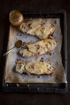 Pear Tartines Blue Cheese & Honey (drizzleanddip.com)