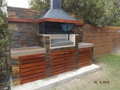 QUINCHO RQUINTEROS Covered Outdoor Kitchens, Outdoor Kitchen Patio, Outdoor Oven, Outdoor Kitchen Design, Outdoor Living, Outdoor Decor, Parrilla Exterior, Outdoor Grill Station, Brick Bbq