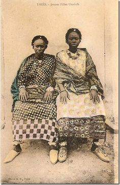 Senegalese women 1840 - 1940 Senegal, circa 1900 beautiful textures and patterns African Life, African Culture, African History, African Women, Photographs Of People, Vintage Photographs, Vintage Photos, French West Africa, Afro