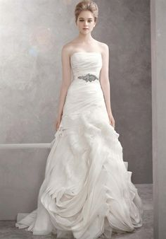 white by vera wang  Wedding Gown  fit-n-flare strapless    #wedding #gown #dress