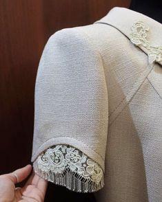 Почта — Maier Ljalja — Outlook Kurti Sleeves Design, Sleeves Designs For Dresses, Sleeve Designs, Fashion Details, Diy Fashion, Fashion Dresses, Fashion Design, Blouse Patterns, Blouse Designs