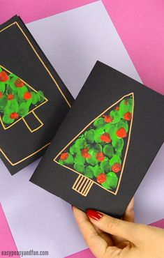 ▷ ideas for mason jars decorate to imitate DIY fingerprint Christmas tree card craft idea for kids to make - Christmas Deko - Source link Homemade Christmas Cards, Christmas Crafts For Kids, Xmas Crafts, Christmas Cards Handmade Kids, Easy Diy Xmas Cards, Diy Christmas Gifts Videos, Christmas Card Ideas With Kids, Fun Crafts, Simple Christmas Cards