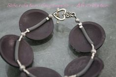 Nice view of necklace structure by Angelique Bilquey's via picasa