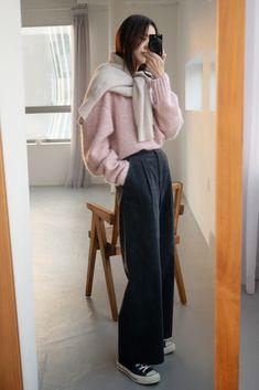 Teen Fashion, Korean Fashion, Fashion Outfits, Womens Fashion, Cute Casual Outfits, Fall Outfits, Mom Jeans Outfit, Minimalist Fashion Women, Fashion Design Sketches