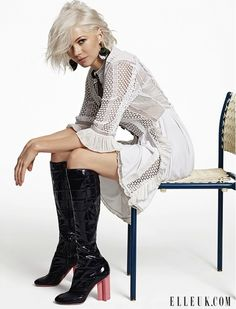 Michelle Williams Says Being Single Working Mom is 'Exhausting': Photo Michelle Williams keeps it fierce in orange and black on the cover of Elle UK magazine's April 2015 issue, out on newsstands on Thursday (March Here's what… Ice Blonde Hair, Bleach Blonde, Michelle Williams, Latest Hair Color, Platinum Hair, Platinum Pixie, White Blonde, White Hair, Short Hair