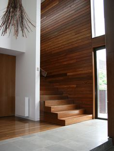 Timber floor staircase and Jura blue electrified floor tile Home Design 2017, Dream Home Design, House Design, Timber Walls, Timber Flooring, Showroom Design, Interior Design, Beautiful Stairs, Stair Detail