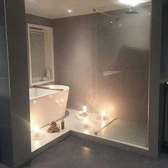 regram @interiorbymilla [ I N S P I R A T I O N ]  Sier god natt med dette vakre badet til skjønne @frutanem  Takk for at du bruker #inspoformilla  Nå venter senga før ny jobbdag i morgentidlig . #onetofollow #inspiration #passion4interior #roomforinspo #bathroom #interior4all #interiorforyou #interiorandhome #interiorinspiration #interiorinspo #interiordesign #scandinavianhomes #scandinaviandesign #scandicinterior #nordichomes #nordicinterior #nordicinspiration  #nordicminimalism